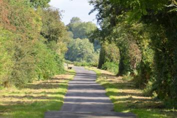 Condemnation at a lack of defibrillators on popular tow path